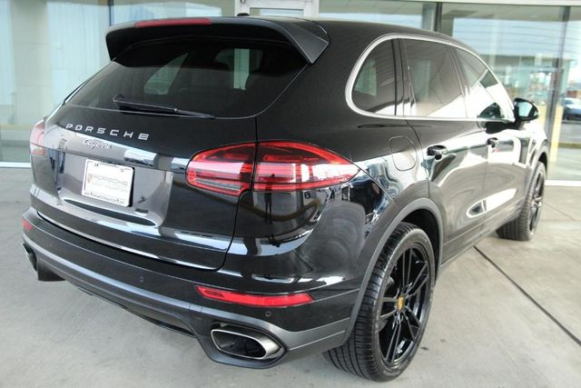 2016 Porsche Cayenne Base For Sale Specifications, Price and Images