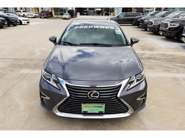 2017 Lexus Base