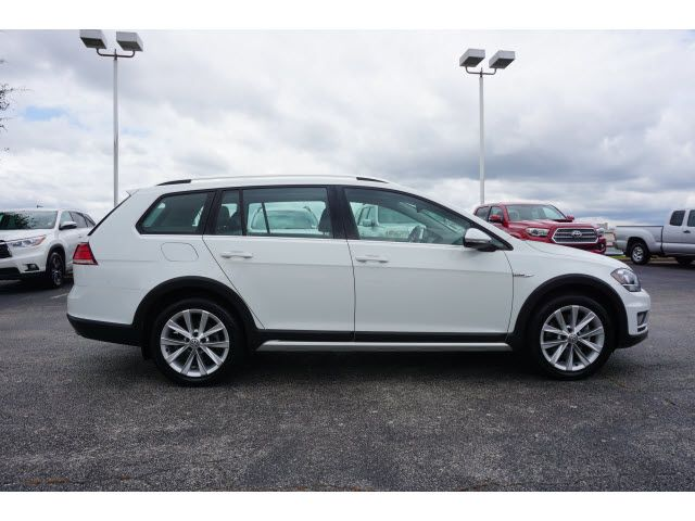 2018 Volkswagen Golf Alltrack TSI SE For Sale Specifications, Price and Images