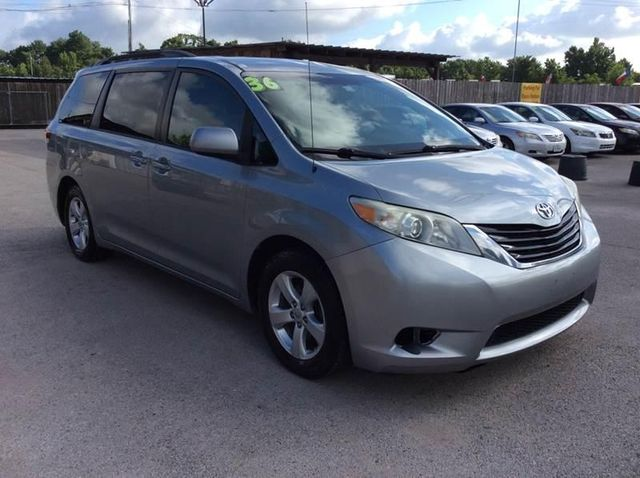 2011 Toyota Sienna LE For Sale Specifications, Price and Images