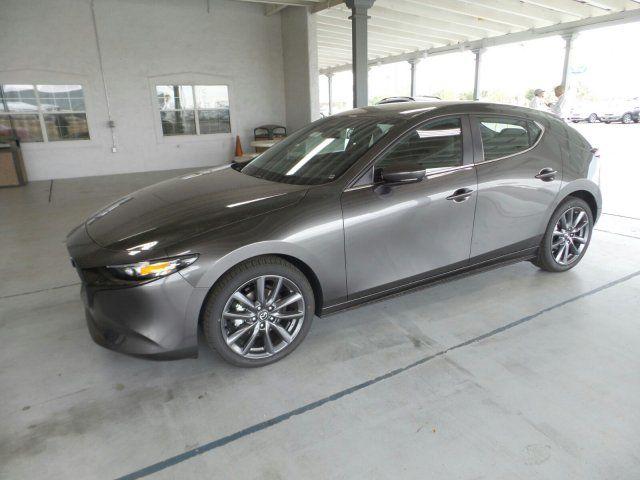 2019 Mazda FWD w/Preferred Package