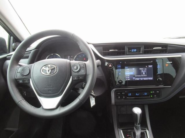 Certified 2017 Toyota Corolla SE For Sale Specifications, Price and Images