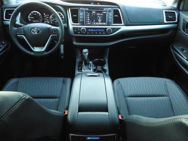 2019 Toyota Highlander LE Plus For Sale Specifications, Price and Images