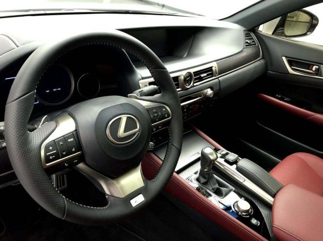 2019 Lexus F SPORT 4dr Sedan